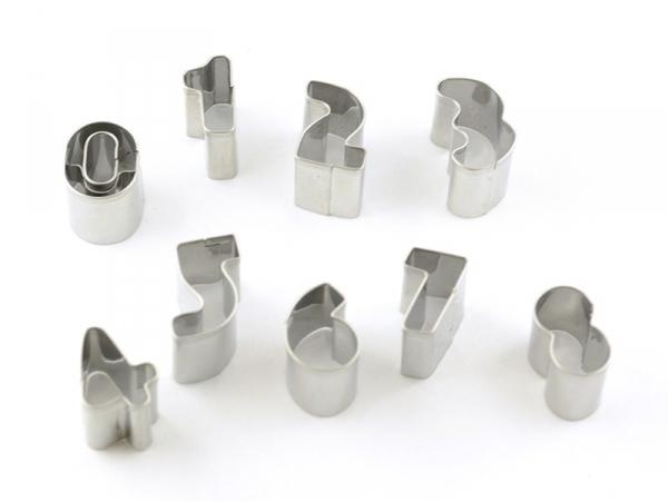 Acheter Emporte-pièces chiffres en inox - 4,90€ en ligne sur La Petite Epicerie - 100% Loisirs créatifs