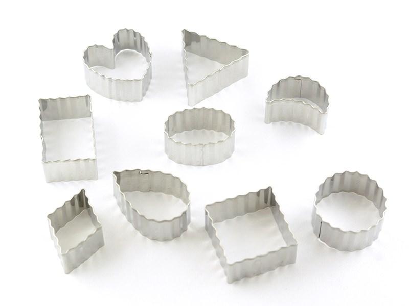 Acheter Emporte-pièces formes ondulées en inox - 4,90€ en ligne sur La Petite Epicerie - 100% Loisirs créatifs