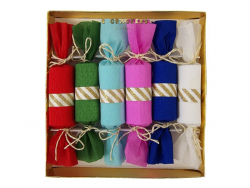 6 small colourful crackers