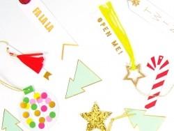 6 étiquettes cadeaux - pompons gland en papier