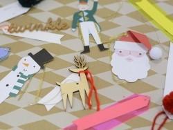 2 étiquettes cadeaux - rennes en bois