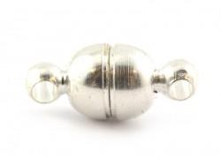 1 kleiner, runder Magnetverschluss - silberfarben (hell)