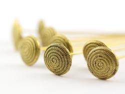 10 Stifte mit runden Köpfen - goldfarbene Spirale