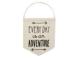 Suspension fanion en tissu - Everyday is an adventure Sass&Belle - 1