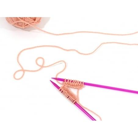 Plastic knitting needles - 5 mm