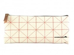 Pencil case with a stitched pattern - red