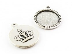 1 round silver-coloured pendant with a cabochon base and a crown - 22 mm