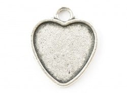1 heart-shaped silver-coloured pendant with a cabochon base - 21 mm