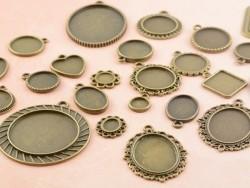 1 breloque support pour cabochon bronze rond -  30 mm