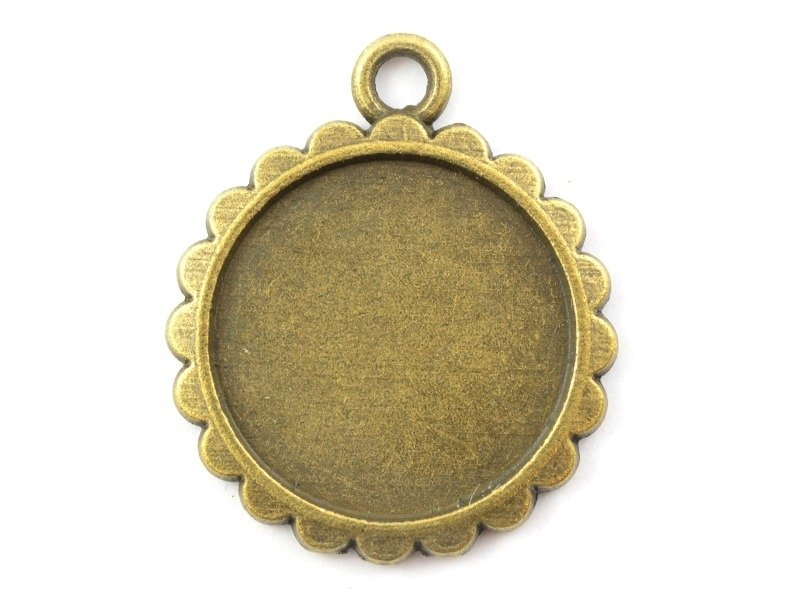 1 round bronze-coloured pendant with a cabochon base and a scalloped edge - 20 mm