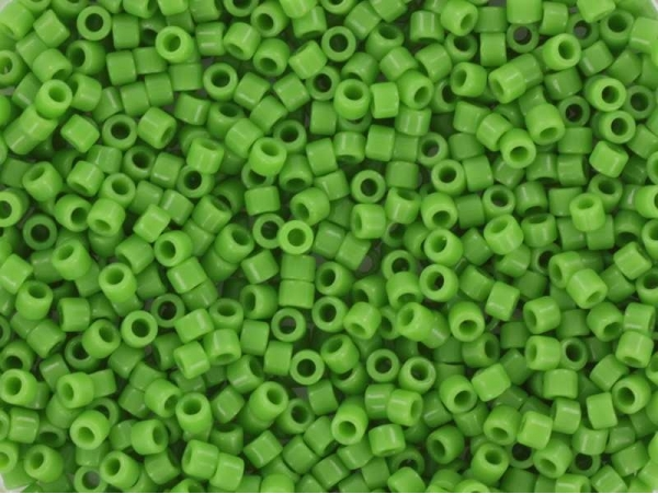 Acheter Miyuki delicas 11/0 - Opaque green 724 - 1,69€ en ligne sur La Petite Epicerie - Loisirs créatifs
