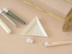 Tube de 1100 rocailles - Miyuki delicas 11/0 - blanc rosé 1510