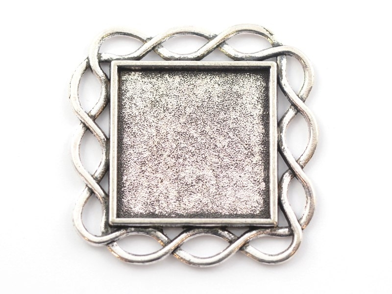 1 square, silver-coloured blank with a cabochon setting and a fancy edge - 33 mm
