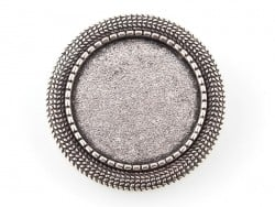 1 round, silver-coloured brooch blank with a cabochon setting and a fancy edge - 27 mm
