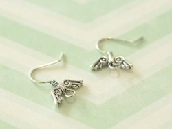 1 pair of fashion earrings - silver-coloured wings