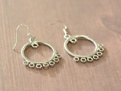 1 paire de boucles d'oreilles à anneaux intercalaires - argenté