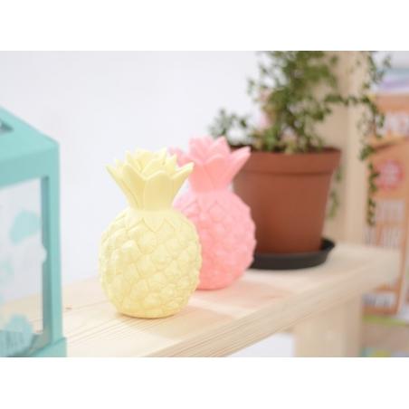 Acheter Veilleuse ananas - mini lampe jaune - 9,95€ en ligne sur La Petite Epicerie - 100% Loisirs créatifs
