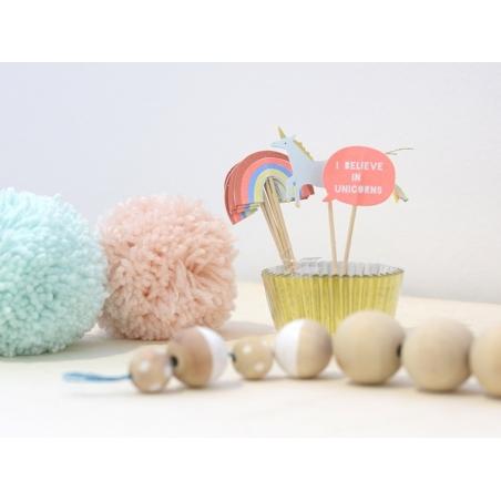 Set de 24 caissettes à cupcakes et 4 cure-dents décoratifs - licorne