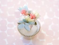 Set de 24 caissettes à cupcakes et 3 cure-dents décoratifs - fleurs