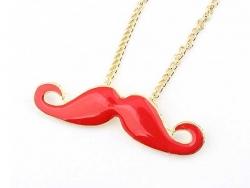 Eine niedliche Halskette mit Schnurrbartanhänger - rot