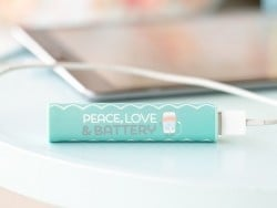 "Power Bank / Chargeur portable ""Peace, love& battery"""