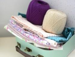 Coupon tissu à motifs - losange pêche et blanc