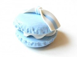 Macaron cabochon with a bow - blue