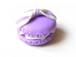 Macaron cabochon with a bow - mauve