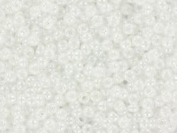 Miyuki seed beads/rocaille beads 11/0 - Pearl white (colour no. 528)