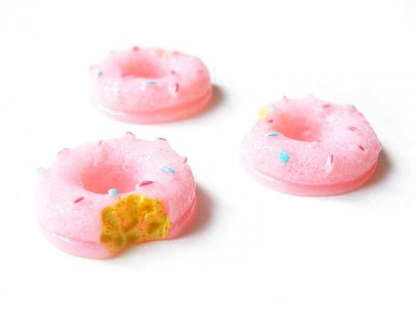 Cabochon Donut rose croqué   - 1