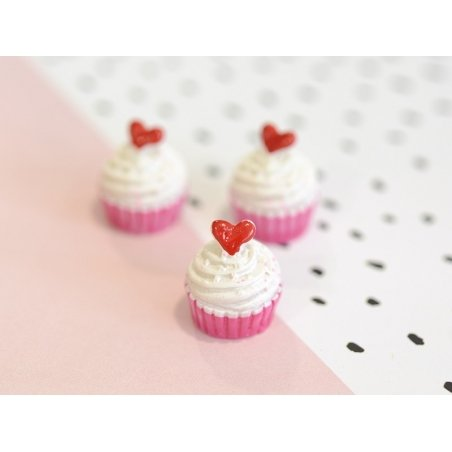 Creamy cupcake cabochon with a heart