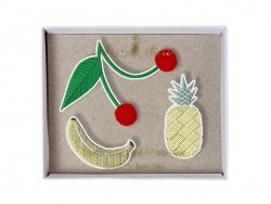 Broches fruits