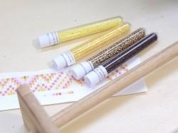Röhrchen mit 1.100 Rocailleperlen - Miyuki Delica's - milchiges Zitronengelb (Farbnr. 2101)
