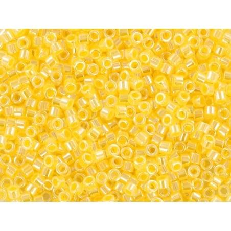 Acheter Miyuki delicas 11/0 - Ceylon light daffodil 233 - 1,99€ en ligne sur La Petite Epicerie - Loisirs créatifs