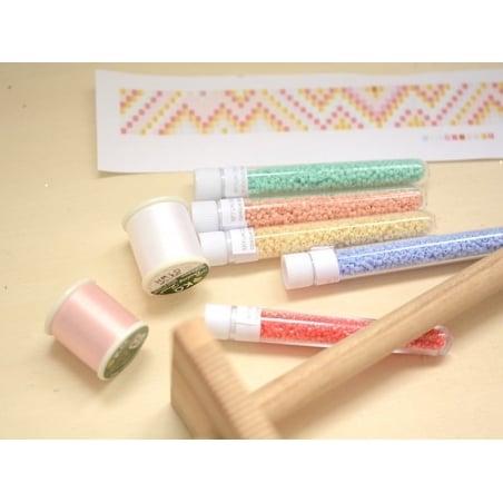 Acheter Bobine de fil pour tissage de perles - 50m - blanc - 3,90€ en ligne sur La Petite Epicerie - Loisirs créatifs