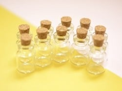 10 glass bottles (2.8 cm)