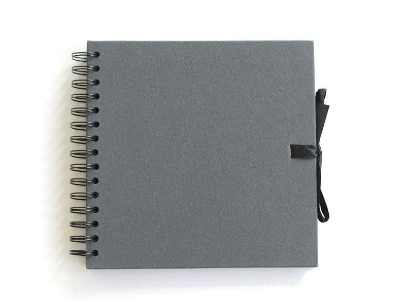 Acheter Petit album scrapbooking - carton noir - 15,90€ en ligne sur La Petite Epicerie - Loisirs créatifs