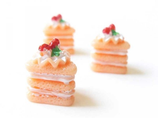 Cabochon part de gâteau à la framboise  - 1