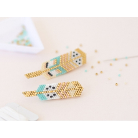 Miyuki bead weaving kit by Rose Moustache - feather brooches