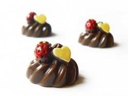 Cabochon chantilly chocolat et fraise