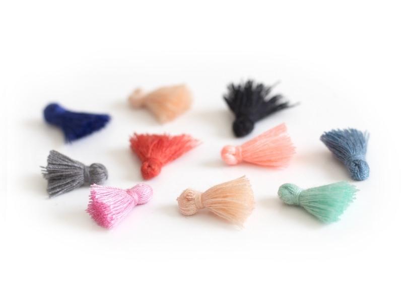Lot de 10 pompons - couleurs aléatoires - 15 mm  - 1