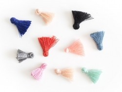 Lot de 10 pompons - couleurs aléatoires - 15 mm