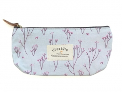 Pencil case with a floral pattern - blue