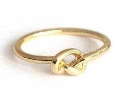 Ring with a small bow - gold-coloured