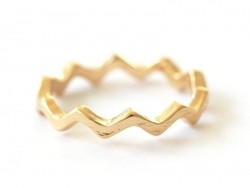Zigzag ring - gold-coloured zigzags