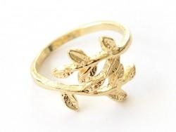 Angesagter Ring - goldfarbene Blätter