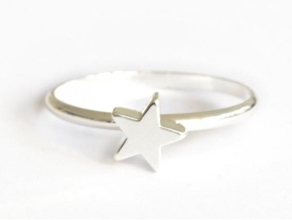 Acheter Bague petite étoile - couleur argent - 4,99€ en ligne sur La Petite Epicerie - Loisirs créatifs