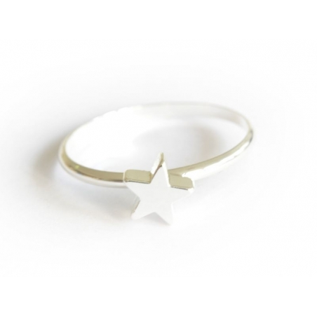 Ring with a small star - silver-coloured
