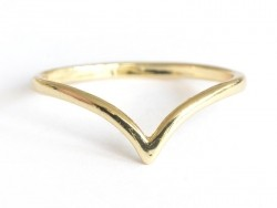 Delicate V-shaped ring - gold-coloured