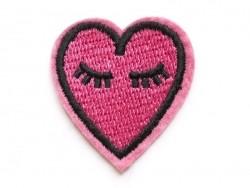 Bügelbild - rosafarbenes gesticktes Herz
